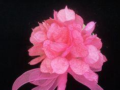 İpek Kozasından Ortanca (yaka iğnesi) Sipariş vermek için: www.ipekelsanatlari.com - info@ipekelsanatlari.com ***************************************** Hydrangea made of silk cocoon (boutonniere) Buy it Online! www.ipekelsanatlari.com - info@ipekelsanatlari.com #ipek #koza #ortanca #cicek #hydrangea #silk #cocoon #handmade #diy_crafts #design #flower #ipekbocegi #ipekelsanatlari Elsa, Floral, Flowers, Plants, Yandex, Jewelry, Jewlery, Jewerly, Schmuck
