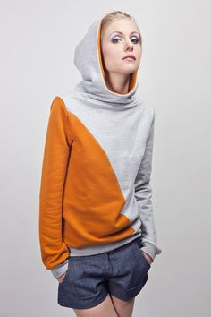Inspiration: Hoodie (sold) by blütezeit berlin (dawanda). I like the colors and the diagonal cut.