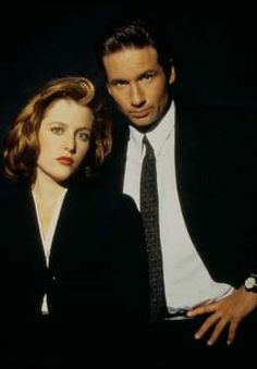Scully et Mulder dans X-Files - Fournis par Gala
