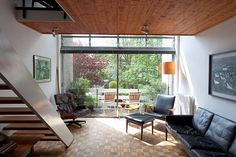Credit: Michael Franke The open-plan sitting room in this 1964 terrace is filled with Danish design, including a leather sofa by Kurt Østervig. 1960s Interior Design, Flat Interior, Home Interior, Interior Architecture, Interior Colors, Interior Ideas, Interior Inspiration, 1960s House, Mid Century House