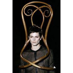 Pablo Reinoso  U0027the Thoneteandou0027 For  David Delfin  (fashion Show