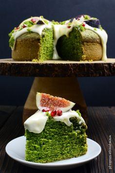 Ciasto ze szpinakiem. Idealne żeby wprowadzić trochę warzyw do diety, nawet kiedy mamy ochotę na słodycze. Plus szpinak jest bardzo dobry :3