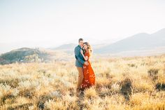 Love their outfits! Image by Ciara Richardson Photography Engagement Outfits, Engagement Couple, Engagement Pictures, Engagement Session, Portrait Photography Poses, Couple Photography, Engagement Photography, Photography Ideas, Portraits