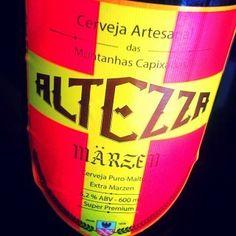 Cerveja Altezza Märzen, estilo Oktoberfest/Marzen, produzida por Cervejaria Altezza, Brasil. 5.2% ABV de álcool.