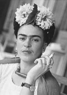 1941 Coyoacan Frida Kahlo: through the lens of Nickolas Muray – in pictures - Tattoos Frida Kahlo Tattoos, Frida Kahlo Portraits, Frida Y Diego Rivera, Rockers, Fridah Kahlo, Nickolas Muray, Kahlo Paintings, Frida Art, Vintage Poster