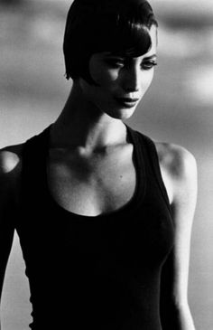 Christy Turlington - 1991- Photo by Peter Lindbergh - @~ Mlle
