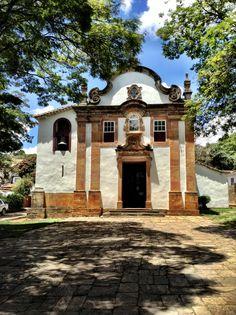 N. S. do Rosário dos Pretos - Tiradentes MG Place Of Worship, Baroque, Brazil, Prayer Closet, New Homes, Around The Worlds, Mansions, House Styles, Places