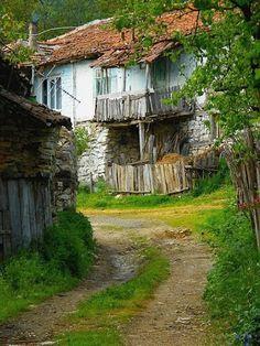 anadoluda eski köy evlerinin tahta kapıları - Google'da Ara