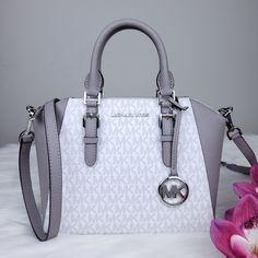 Mk Handbags, Kate Spade Handbags, Fashion Handbags, Purses And Handbags, Fashion Bags, Leather Handbags, Luxury Purses, Luxury Bags, Mk Purse