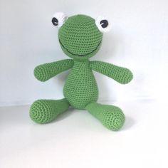 En lille glad frø🐸 gratis opskrift/ free pattern ➡️www.lilleliis.com #hækle #hæklet #hækling #crochet #virkning #amigurumi #krammedyr… Glad, Dinosaur Stuffed Animal, Toys, Crochet, Instagram Posts, Free, Animals, Character, Activity Toys