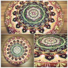 Arte em Mandala feitas por encomenda. Mandalas Design por Juliana Figueira. Contato: julianafigueirasouza@gmail.com https://www.facebook.com/sattwamandalasdesign?pnref=story