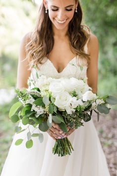 Organic ivory and greenery wedding bouquet: Photographer: Matthew Ree, CLY by Matthew - www.clybymatthew.com Read More on SMP: http://www.stylemepretty.com/2016/12/07//