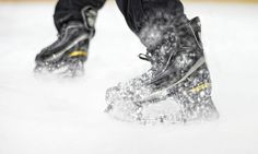 Launch Skates - World's first spring powered ice skates! by Launch Designworks — Kickstarter. Ice skate blade holders with springs for hockey and pleasure skating use kinetic energy to propel a skater faster. E Textiles, Kinetic Energy, Hockey Players, Skates, Ice Skating, First World, Inventions, Cool Photos, Gadgets