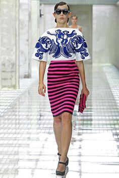 Prada Spring 2011 Ready-to-Wear Fashion Show - Hannah Noble