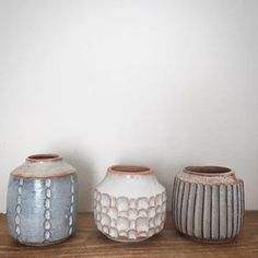 Different clay bodies, glazes, patterns and shapes, still friends. #stoneware #keramik #ceramics #pottery #dspattern