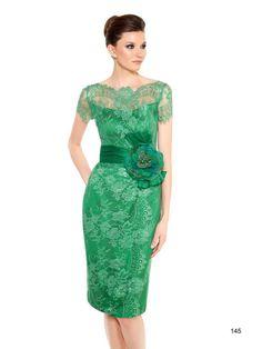 vestidos de madrina modelos elegantes color verde tendencias modernas