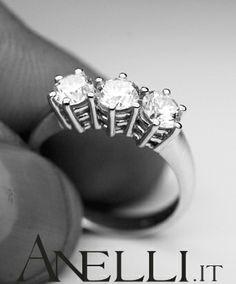 http://www.anelli.it/it/anelli-trilogy/anello-trilogy-1-35-carati-colore-f-purezza-vvs1.html