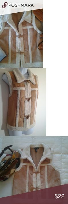 Designers Originals Vest Designers Originals  (Women) Vest... Front:100%polyester  / Back: 100% Acrylic. ... In excellent condition. ... No pockets.... Designers Originals  Jackets & Coats Vests