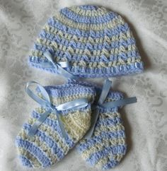 Hat  bonnet booties beanie newborn set. by HandmadebyNadiyaK, $19.00