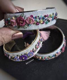 dit-artikel-ist-niet-beschikbaar/ - The world's most private search engine Diy Fabric Jewellery, Thread Jewellery, Beaded Jewelry Patterns, Handmade Jewelry Designs, Embroidery Jewelry, Silk Thread Bangles Design, Silk Bangles, Bridal Bangles, Hand Embroidery Design Patterns