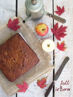 Apple, oats and cinnamon cake... fall is here!