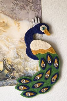 Peacock Felt Magnet Vintage Colors by DeerAshley on Etsy Felt Diy, Felt Crafts, Diy Crafts, Felt Christmas Ornaments, Christmas Crafts, Peacock Crafts, Felt Birds, Felt Patterns, Animal Patterns