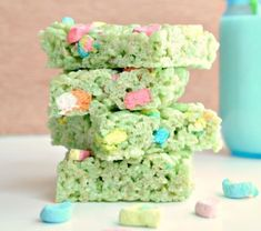 Rice Krispie Treats with Lucky Charms Marshmallows | Delicious St. Patrick's Day Recipes | Desserts & Treats | https://homemaderecipes.com/12-st-patricks-day-recipes/