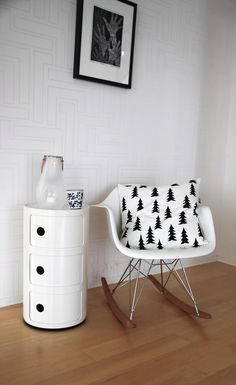 Herman Miller Chair Size C White Eames Chair, Eames Rocker, Eames Rocking Chair, Eames Chairs, Bar Chairs, Charles Eames, Patchwork Chair, My Ideal Home, Cool Chairs