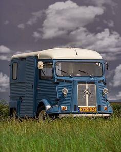 Citroen Type H, Citroen H Van, Top Cars, Old Trucks, Sport Cars, Bugatti, Peugeot, Cars And Motorcycles, Recreational Vehicles