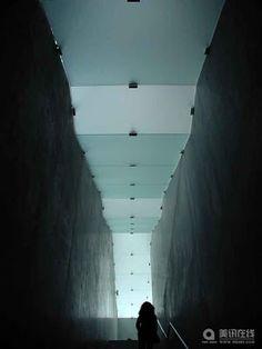 Art Museum Bregenz, Austria, 1997 by Peter Zumthor. magic passage!