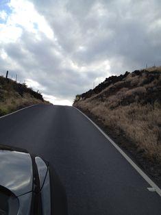Auf dem Heimweg von Hana nach Kahului befindet sich eine Strasse die als schwierig zu fahren gilt. Wir haben eine andere Erfahrung gemacht. Denn die Strasse ist frisch meist schön geteert und dank der tollen Landschaft kommt man aus dem Staunen nicht mehr raus.