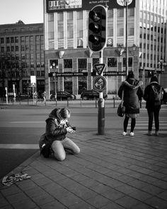 #bruxellesmabelle #peopleareawesome #wearetheluckyones #brussels #streetphotography #igerslux #bxl #streetphoto #street #streetlife #streetshot #streetlifestyle #igersluxembourg #welovebrussels #brusselslive #visitbrussels #worldplaces #wanderlust #instamood #urban #urbanphotography #urbanphoto #street #ig_street #cities #ic_streetlife # #documentary #dezpx #dezpx_street #socialdocumentary #dezpx_bxl (hier: Porte de Namur metro station)