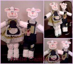 Casal de Ovelhas confeccionados em tecido 100% algodão e algodão cru. Cor à escolha do cliente. O preço é referente ao casal. R$ 115,00