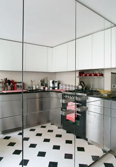 Huom! peilikaapit keittiössä tilan suurentamiseksi!!! http://www.admagazine.ru/design/34832_kak-oformit-8-kukhon-izvestnykh-dekoratorov.php#article Photo ad_SAINT-GERMAIN_43_.jpg