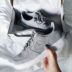 Nike Free on - Sneakers Nike - Ideas of Sneakers Nike - Sneakers femme Nike Air Force 1 Low (vnnvgie) Cute Shoes, Me Too Shoes, Comfy Shoes, Zapatillas Nike Air Force, Nike Af1, Nike Flyknit, Sneaker Outfits, Basket Mode, Adidas Shoes Women