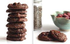 Schlechtes Gewissen? Ausgeschlossen! Diese superleckeren, gesunden Weihnachts-Cookies kommen ganz ohne Zucker, Butter, Eier und Mehl aus.