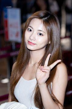 Twice Jyp, Tzuyu Twice, Nayeon, Beautiful Asian Girls, Beautiful Women, Chou Tzu Yu, Dahyun, Header Image, Sexy Hot Girls