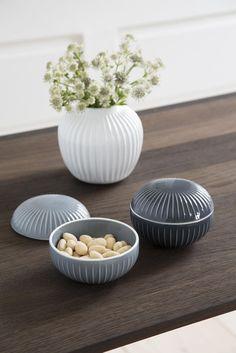 Bonbonniere marmergrijs en anthraciet. Schalen gemaakt van keramiek. Deens design, Hammershøi, Kähler, Scandinavisch