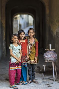 India For Kids, India People, India And Pakistan, Our World, Winter White, Continents, Religion, Asia, Couple Photos