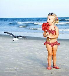 Que tenhamos sempre a doçura das crianças ao acreditar que a vida é toda linda e toda perfeita. Eu acredito. Bom dia.  Rosi Coelho
