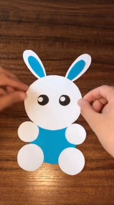 How to make a lovely paper rabbit for kids at home? Study wigh this video, so easy! Paper Crafts Origami, Diy Crafts For Gifts, Paper Crafts For Kids, Easy Crafts For Kids, Craft Activities For Kids, Easy Diy Crafts, Toddler Crafts, Preschool Crafts, Diy For Kids