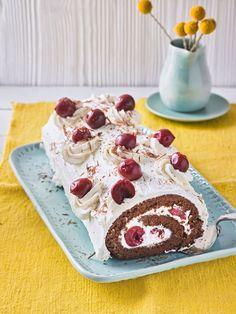 Schwarzwälder - Kirsch - Biskuitrolle, ein gutes Rezept aus der Kategorie Kuchen. Bewertungen: 85. Durchschnitt: Ø 4,4.