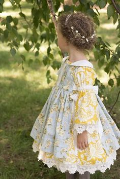 Custom Order of a Peasant Dress with a Pinafore Little Girl Dresses, Flower Girl Dresses, Vintage Baby Dresses, Diy Vetement, Baby Sewing, Dress Patterns, Sewing Patterns, Toddler Girl, Kids Fashion