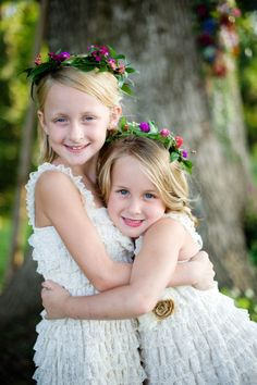 Stylish flower girls: http://www.stylemepretty.com/2013/12/19/russell-crossroads-wedding/ | Photography: Simple Color - http://simple-color.com/