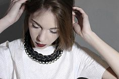 hand made necklace realized with rubber rope, recycled jersey and silver coloured brass metal chain material: rubber rope, cotton jersey, brass. Contemporary Jewellery, Metal Chain, Diy Jewelry, Knitted Jewelry, Macrame, Knots, Website, Fashion, Necklaces