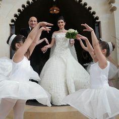 "LEBANESE WEDDINGS on Instagram: ""Those last single moments before leaving the house 🥰 P.R.E.C I.O.U S. ______________________ ▪︎Custom song :@salimassaf@music.designers.…"" Lebanese Wedding, Wedding Videos, Wedding Moments, Designers, Leaves, In This Moment, Songs, Weddings, Wedding Dresses"