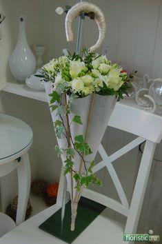 Umbrella Wreath, Umbrella Decorations, Flower Decorations, Bridal Shower Umbrella, Umbrella Wedding, Deco Floral, Arte Floral, Floral Design, Christmas Flower Delivery