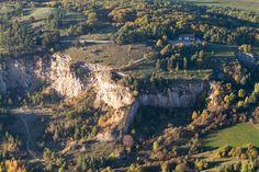 Letecký snímek z vyhlídkového letu - Koněpruské jeskyně ve městě Koněprusy, Středočeský Famous Places, Grand Canyon, Nature, Travel, Inspiration, Biblical Inspiration, Naturaleza, Viajes, Destinations