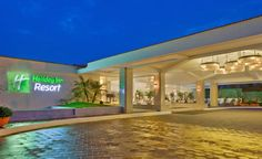 The Holiday Inn Resort, Goa is located at the picturesque Mobor Beach in South #Goa. Being one of the finest #5starhotels in South Goa with beachfront lawns, the hotel is a distinctive blend of traditional Goan and contemporary architecture. #luxury #travelawesome #travelinstyle #wanderlust