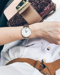If you're having a bad day, put some lipstick, wear a nice dress and some sparkling accessories and everything will be ok. 🙌🏼 #alwaysseethegood #nevergiveup #smile #bepositive #goodvibes #friday #ootd #cluse #clusespringfling #clusewatches